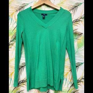 Gap Sweater in green.